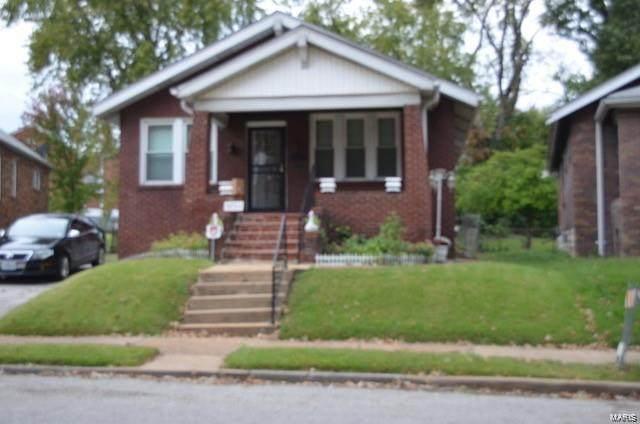 5752 Astra Avenue, St Louis, MO 63147 (#20020370) :: Sue Martin Team