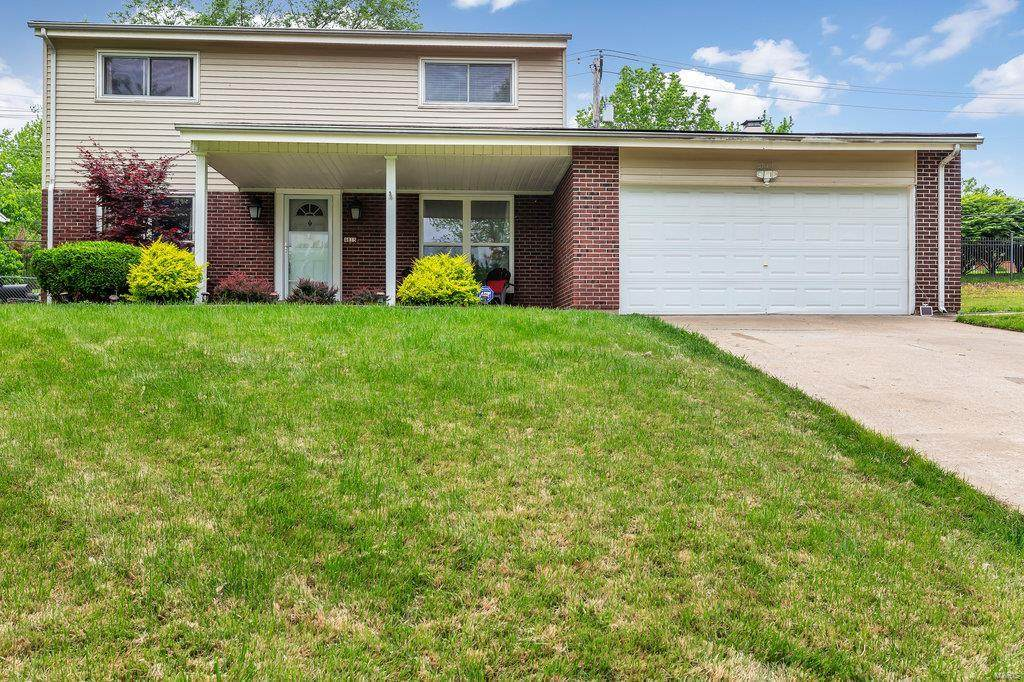 4815 Evelynaire Drive - Photo 1