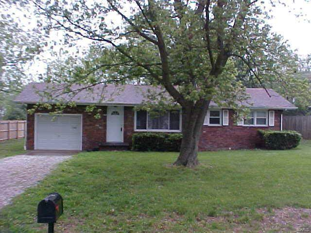 7302 Montclair Avenue, Godfrey, IL 62035 (#20033232) :: The Becky O'Neill Power Home Selling Team