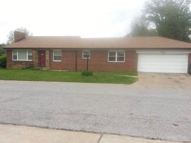 1683 Veronica Avenue, St Louis, MO 63147 (#20036884) :: The Becky O'Neill Power Home Selling Team
