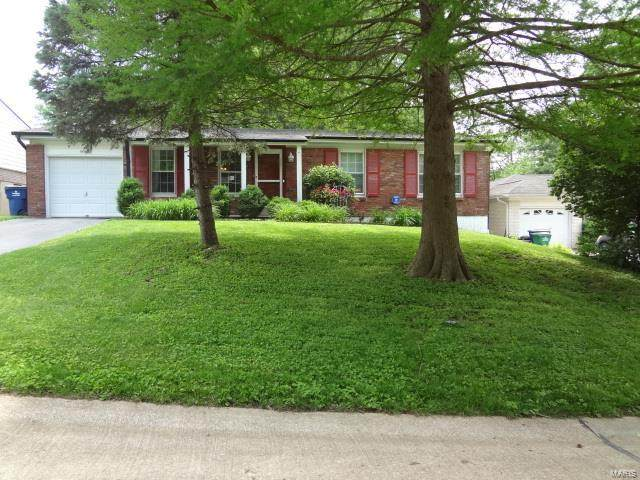 9906 Gilbrook Avenue, St Louis, MO 63119 (#20039585) :: The Becky O'Neill Power Home Selling Team