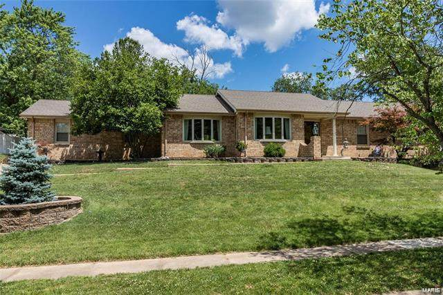 3241 Hilvin Drive, St Louis, MO 63129 (#20045219) :: Kelly Hager Group | TdD Premier Real Estate