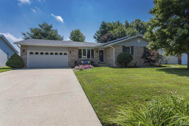 75 Sunset Drive, Highland, IL 62249 (#20048059) :: RE/MAX Vision