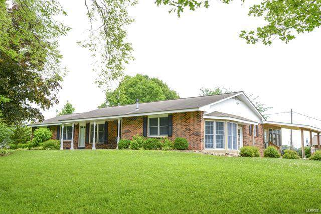 1749 Highway B, Elsberry, MO 63343 (#20048895) :: The Becky O'Neill Power Home Selling Team