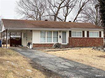 860 Babler, Florissant, MO 63031 (#20053895) :: The Becky O'Neill Power Home Selling Team