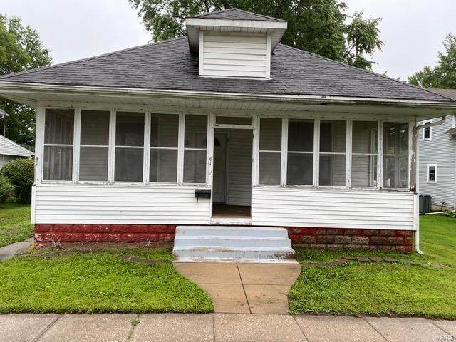 411 S Arch Street, Jerseyville, IL 62052 (#20054468) :: The Becky O'Neill Power Home Selling Team