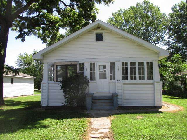 725 N High Street, CARLINVILLE, IL 62626 (#20054934) :: Tarrant & Harman Real Estate and Auction Co.