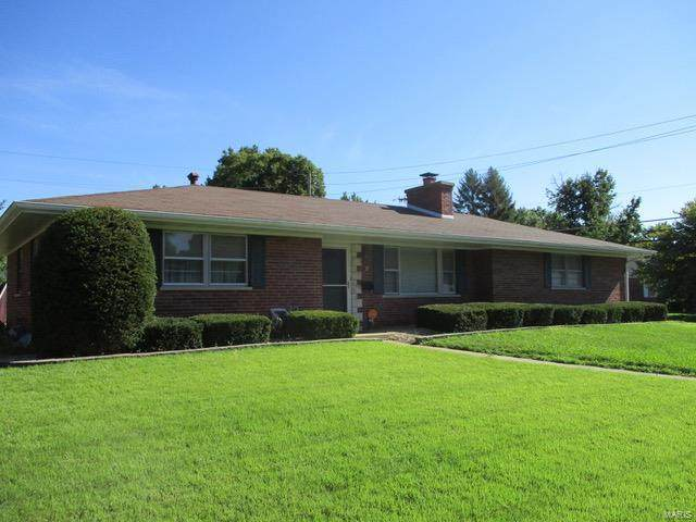 57 Briarwood Drive, Belleville, IL 62223 (#20058653) :: The Becky O'Neill Power Home Selling Team