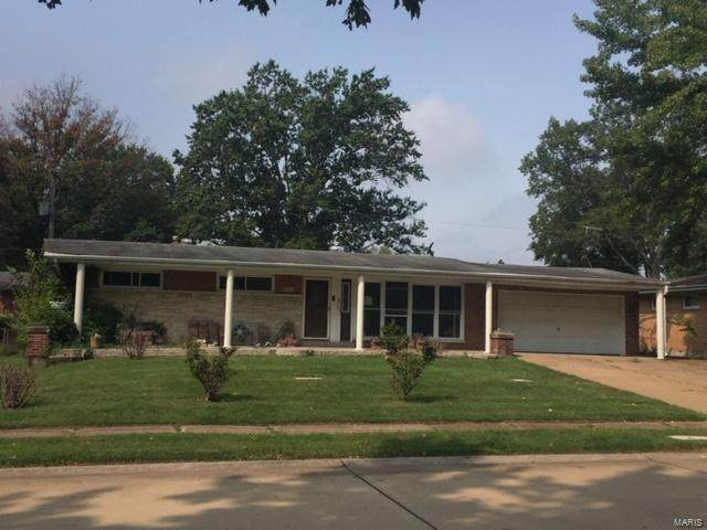 9351 Ewers, St Louis, MO 63126 (#20066190) :: Kelly Hager Group | TdD Premier Real Estate