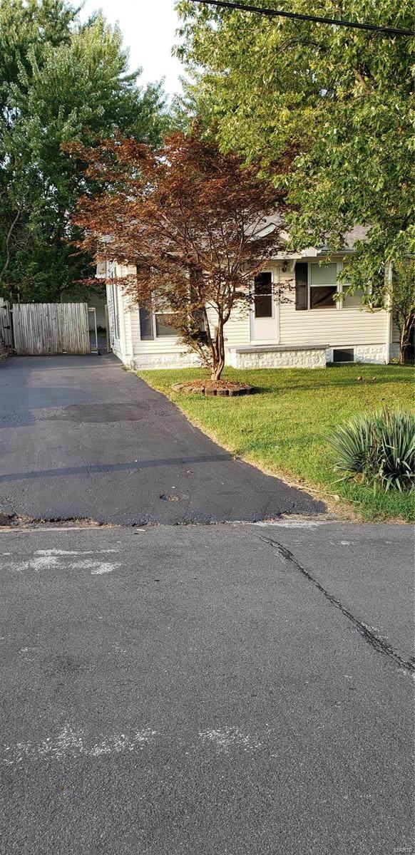 9529 Tennyson Avenue, St Louis, MO 63114 (#20066252) :: Parson Realty Group