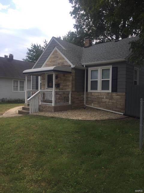 135 N Indiana, Belleville, IL 62221 (#20069909) :: Hartmann Realtors Inc.
