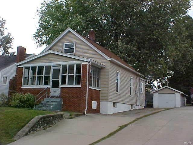 2923 Edwards, Alton, IL 62002 (#20071030) :: Parson Realty Group