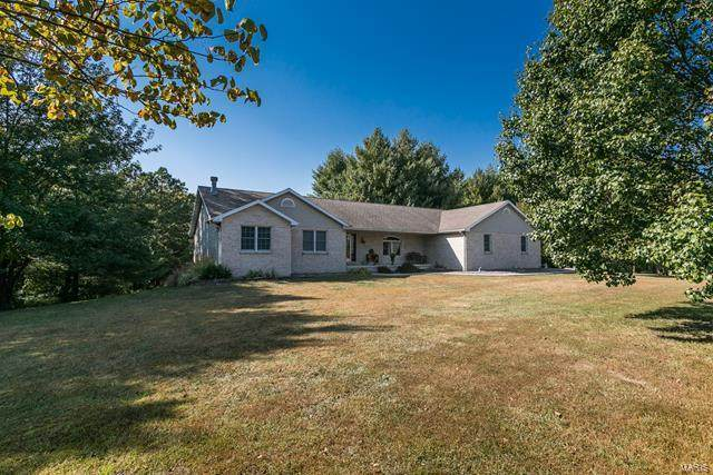 32 Len Drive, Highland, IL 62249 (#20074183) :: The Becky O'Neill Power Home Selling Team