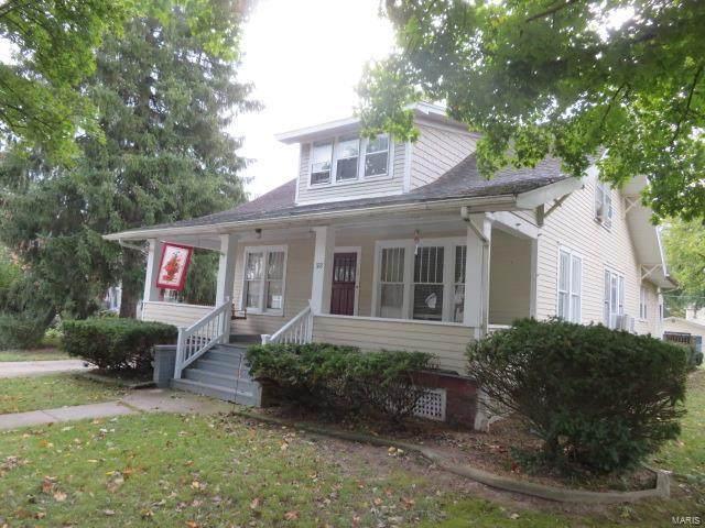 322 E Tremont, Hillsboro, IL 62049 (#20074533) :: Kelly Hager Group | TdD Premier Real Estate