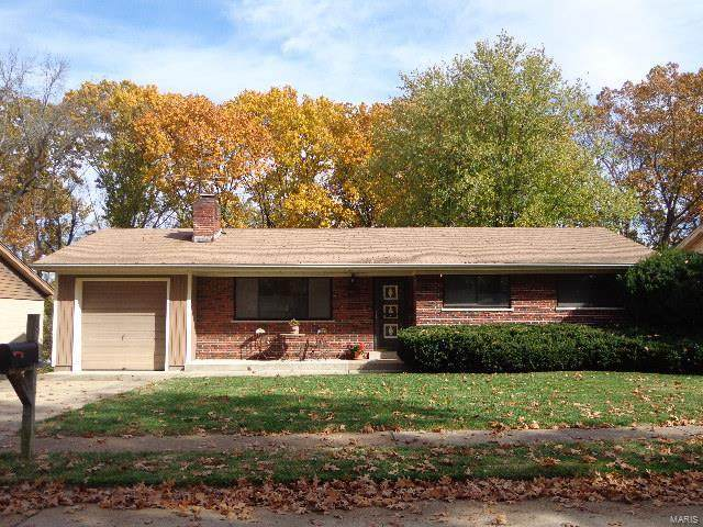 8708 Brookview Drive, St Louis, MO 63126 (#20074673) :: The Becky O'Neill Power Home Selling Team
