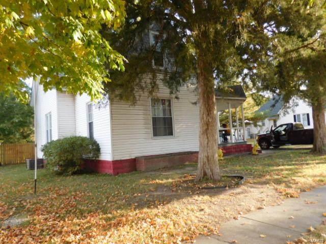 610 W Noleman Street, Centralia, IL 62801 (#20078579) :: RE/MAX Vision