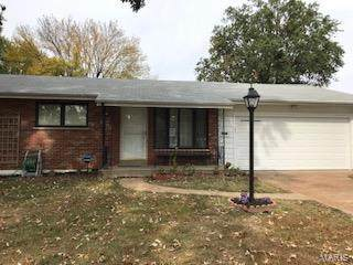 4727 Cornwell, Mehlville, MO 63123 (#20083955) :: The Becky O'Neill Power Home Selling Team