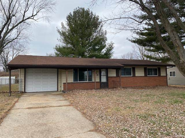 813 Coral Drive, Fairview Heights, IL 62208 (#20090300) :: Parson Realty Group