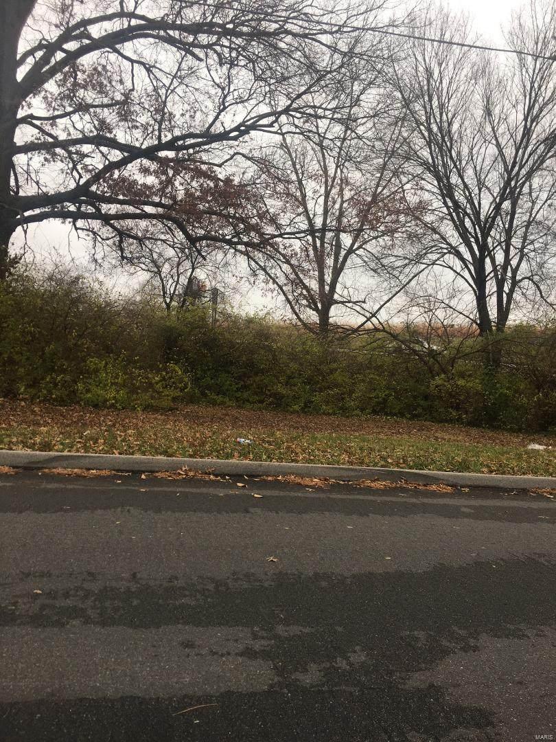 2830 Endicott Avenue - Photo 1