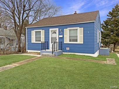 3584 Saint Christopher, Saint Ann, MO 63074 (#21003011) :: Tarrant & Harman Real Estate and Auction Co.