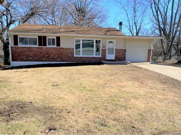 20 Clearview Drive, Florissant, MO 63033 (#21003907) :: Parson Realty Group