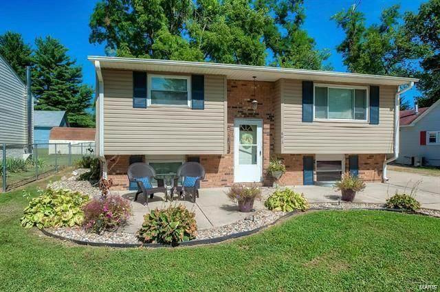 6013 Boyd, Godfrey, IL 62035 (#21008745) :: Tarrant & Harman Real Estate and Auction Co.
