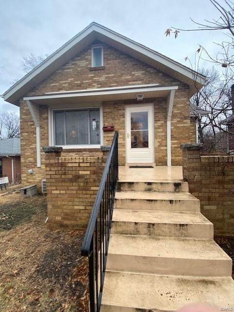 9402 Lavern Place, St Louis, MO 63123 (#21010222) :: RE/MAX Vision