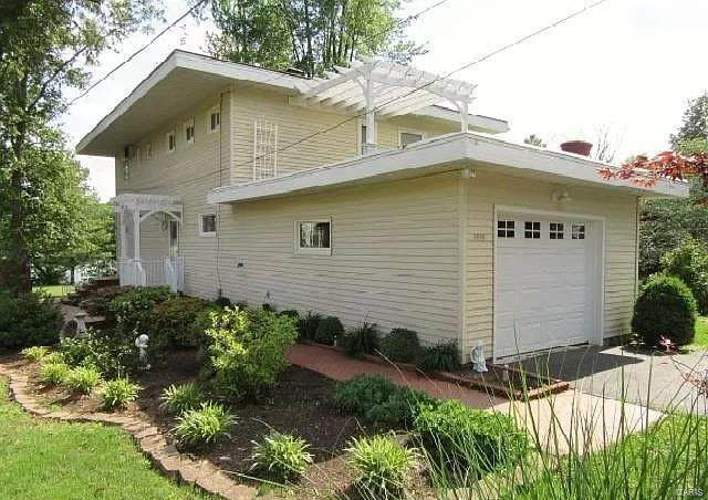 1919 Lake Street, Mount Vernon, IL 62864 (#21010992) :: Matt Smith Real Estate Group