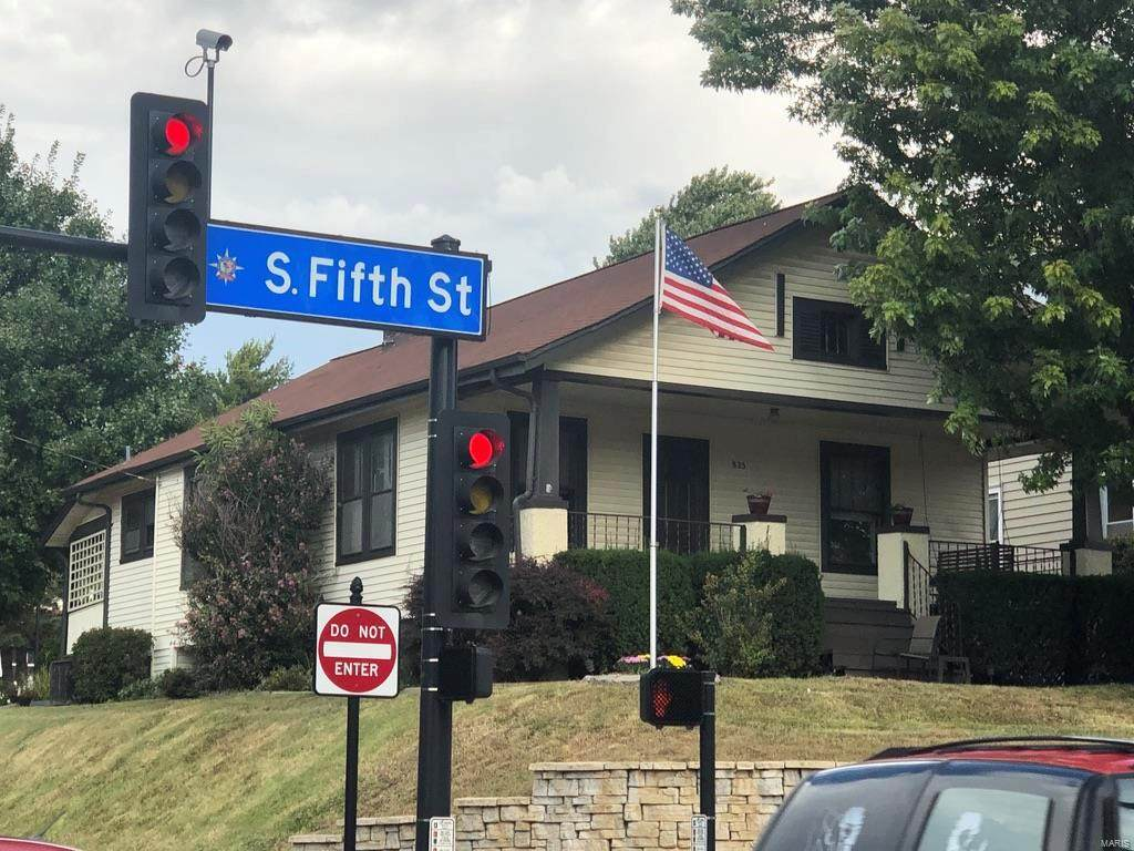 825 South 5th Street - Photo 1