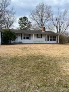9392 Rezy Road, STAUNTON, IL 62088 (#21013572) :: Tarrant & Harman Real Estate and Auction Co.