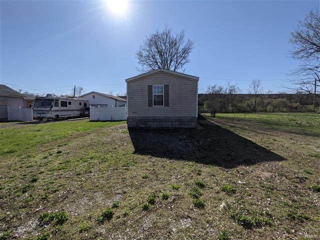 516 West Avenue, Centerville, IL 62207 (#21026795) :: Parson Realty Group