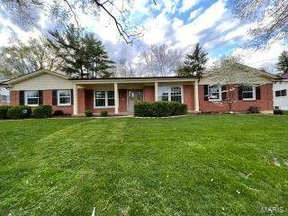 6 Glen Cove Drive, Chesterfield, MO 63017 (#21028302) :: Clarity Street Realty