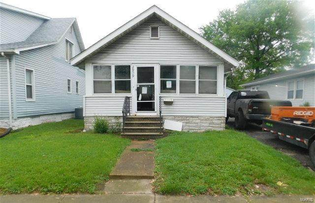 2909 Washington Avenue, Granite City, IL 62040 (#21030663) :: Hartmann Realtors Inc.