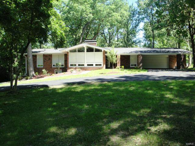 13427 Conway Road, Town and Country, MO 63141 (#21030815) :: Parson Realty Group