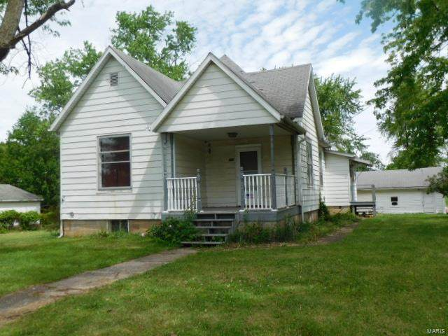 110 E 5th Street, Kinmundy, IL 62854 (#21034438) :: St. Louis Finest Homes Realty Group