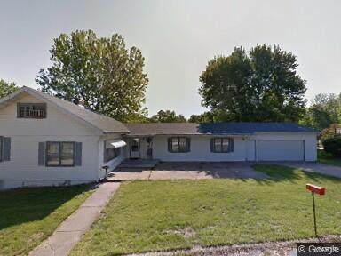 12 Luther Lane, Hannibal, MO 63401 (#21035584) :: The Becky O'Neill Power Home Selling Team