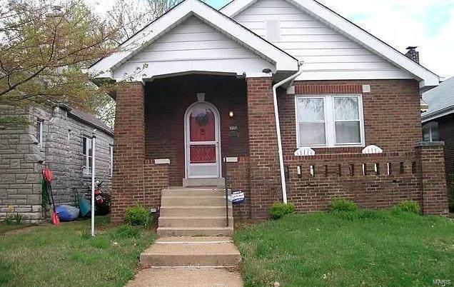 5227 Mardel Avenue, St Louis, MO 63109 (#21040171) :: Krista Hartmann Home Team
