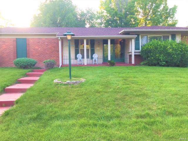 3235 Brocton Common Drive, Florissant, MO 63031 (#21040511) :: The Becky O'Neill Power Home Selling Team