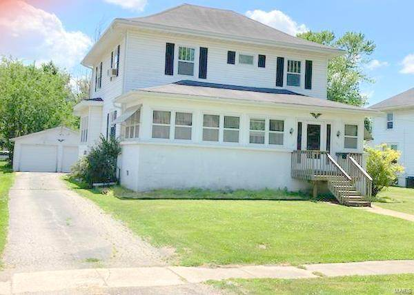 105 W Spruce Street, Shelbina, MO 63468 (#21041528) :: Parson Realty Group