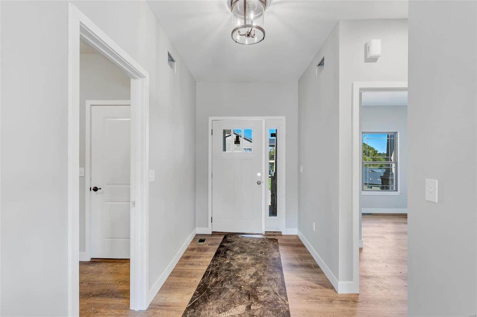 8078 Villa Valley Lane, Caseyville, IL 62232 (#21043358) :: Tarrant & Harman Real Estate and Auction Co.