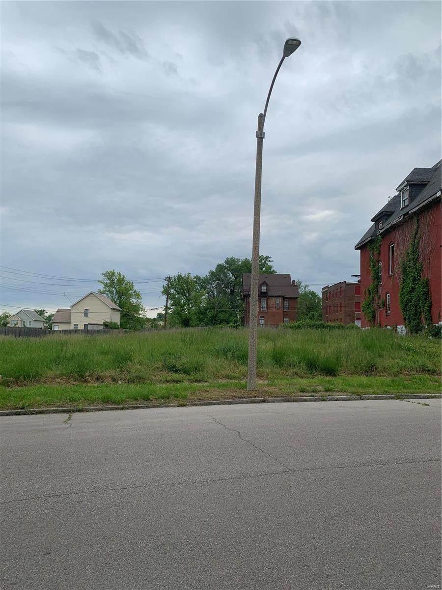 5543 Clemens Avenue - Photo 1