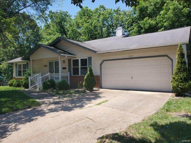 1313 Golden Gate Lane, Saint Peters, MO 63376 (#21044380) :: St. Louis Finest Homes Realty Group