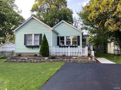 301 Baker Avenue, St Louis, MO 63119 (#21062028) :: RE/MAX Professional Realty