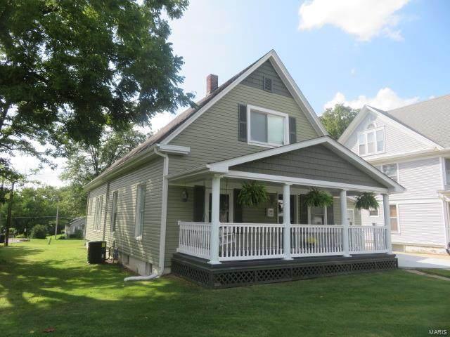 512 Jefferson, Hillsboro, IL 62049 (#21062716) :: Parson Realty Group