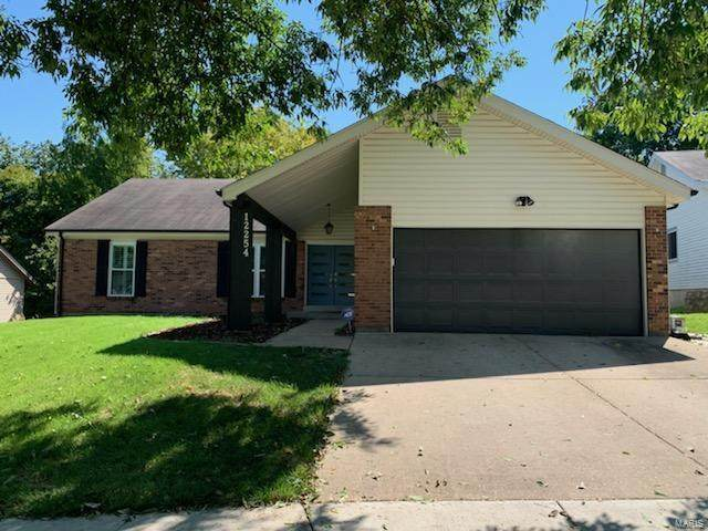 12254 Foxpoint Drive, Maryland Heights, MO 63043 (#21066658) :: Terry Gannon | Re/Max Results