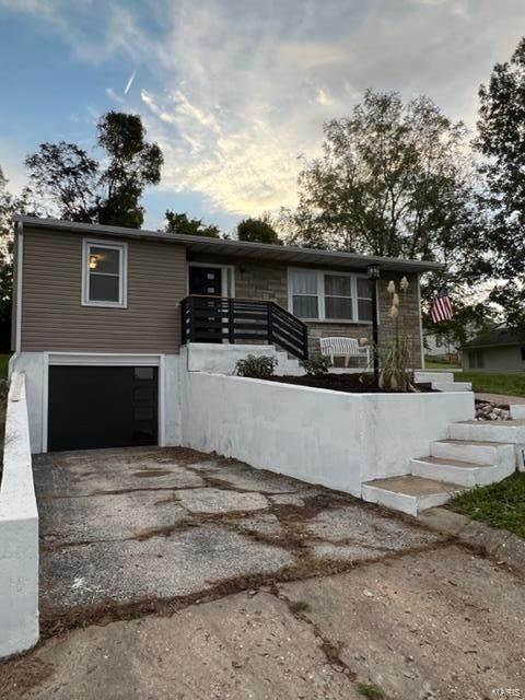 4026 Hillside, Hannibal, MO 63401 (#21074694) :: Kelly Hager Group   TdD Premier Real Estate