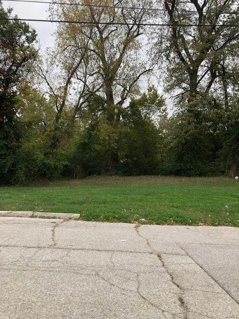 719 Ridge Street, Alton, IL 62002 (#21076317) :: Parson Realty Group