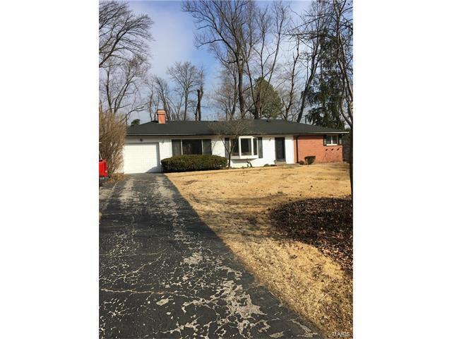 10049 Fieldcrest Lane, Ladue, MO 63124 (#17008766) :: The Kathy Helbig Group