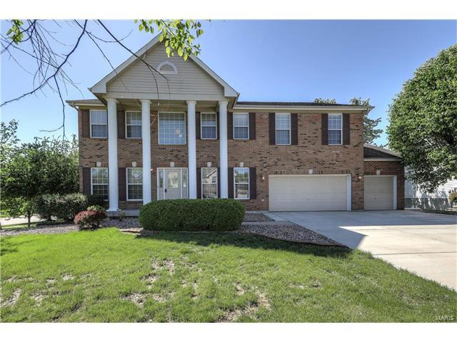 7302 Macleod Lane, Dardenne Prairie, MO 63368 (#17032371) :: The Kathy Helbig Group