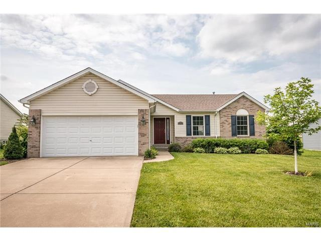 14 Broadstone Drive, Fairview Heights, IL 62208 (#17046790) :: Holden Realty Group - RE/MAX Preferred